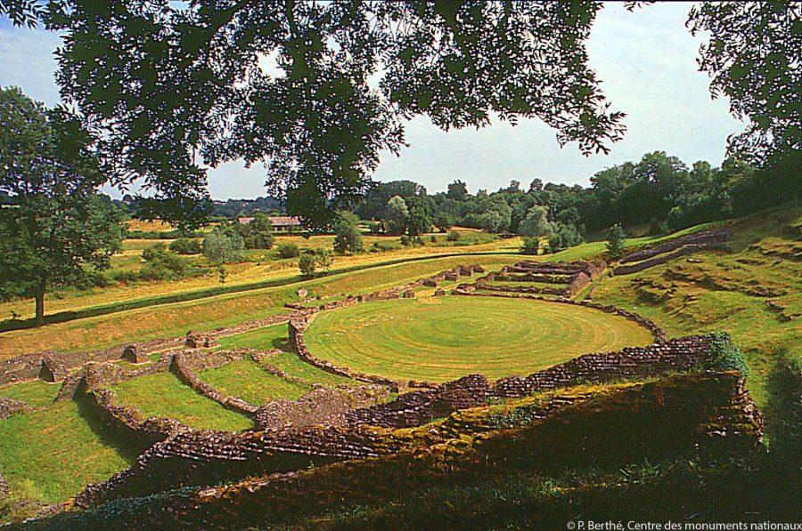 extérieur site gallo romain de Sanxay vestiges Soirées Lyriques festival opéra Office de Tourisme Grand Poitiers VisitPoitiers