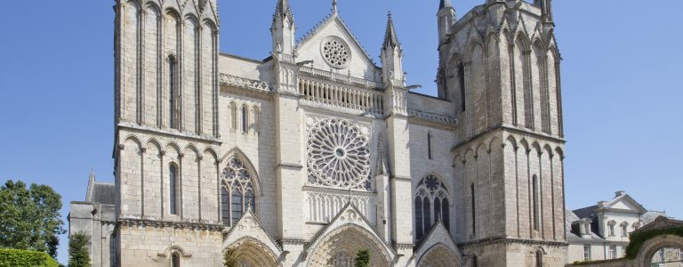 office-tourisme-poitiers-visitpoitiers-cathedrale-10