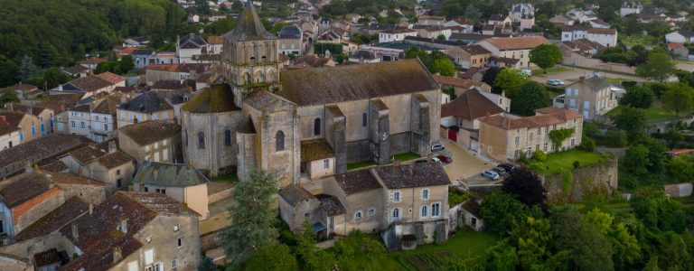 office-tourisme-poitiers-visitpoitiers-lusignan-eglise